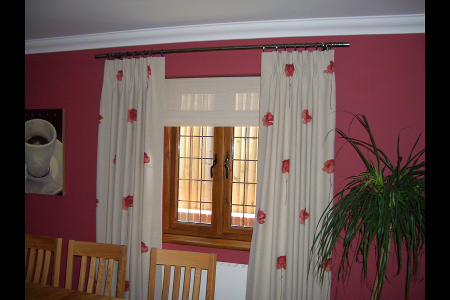Roman Blinds, 3 Tips For Every Homeowner To Enhance The Appeal Of Living Room, Vine House Interiors Ltd